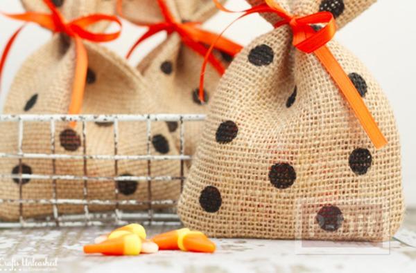 รูป 5 ประดิษฐ์ถุงใส่ขนม แจกวันฮาโลวีน