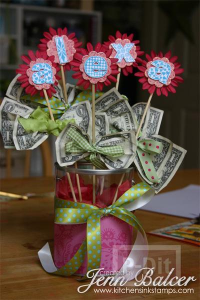 ของขวัญปีใหม่ ของขวัญริบปริญญา ช่อดอกไม้ธนบัตร