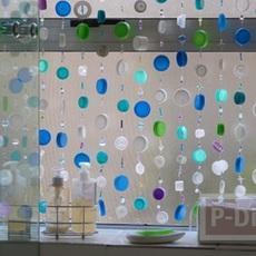โมบายฝาขวด หลากสี ประดับหน้าต่าง