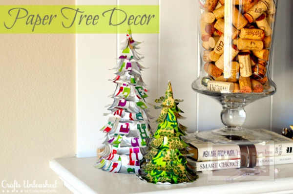 รูป 1 ต้นคริสต์มาสเล็กๆ ประดิษฐ์จากกระดาษสีสวย