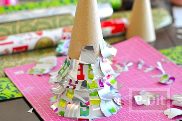 รูป 7 ต้นคริสต์มาสเล็กๆ ประดิษฐ์จากกระดาษสีสวย