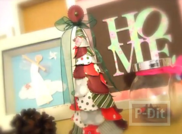 รูป 1 ทำต้นคริสต์มาสสวยๆ ประดิษฐ์จากกระดาษ