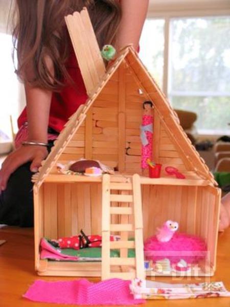 รูป 4 บ้านตุ๊กตา ทำจากไม้ไอติม