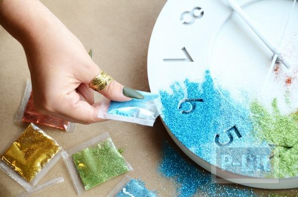 รูป 6 นาฬิกาติดผนัง พ่นสีขาว ประดับกากเพชร