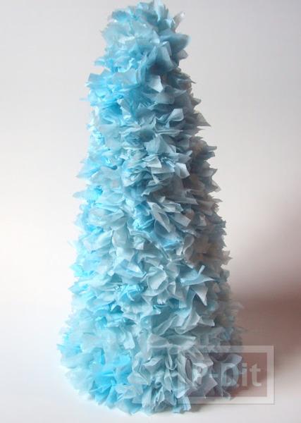 รูป 5 ต้นคริสต์มาส ทำจากกระดาษทิชชู และถ้วยกระดาษ