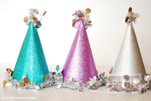 รูป 6 ประดิษฐ์หมวกงานปาร์ตี้ วันคริสต์มาส ปีใหม่