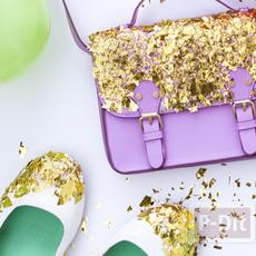 กระเป๋า รองเท้า ตกแต่งจากกระดาษทองคำเปลว