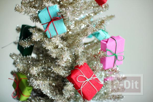กล่องของขวัญ กล่องเล็กๆ ประดับต้นคริสต์มาส