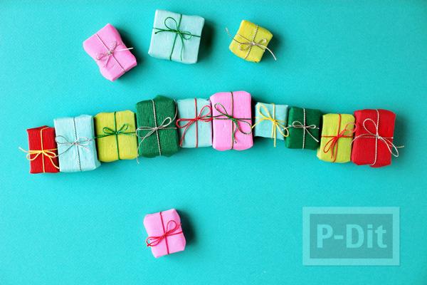 รูป 5 กล่องของขวัญ กล่องเล็กๆ ประดับต้นคริสต์มาส