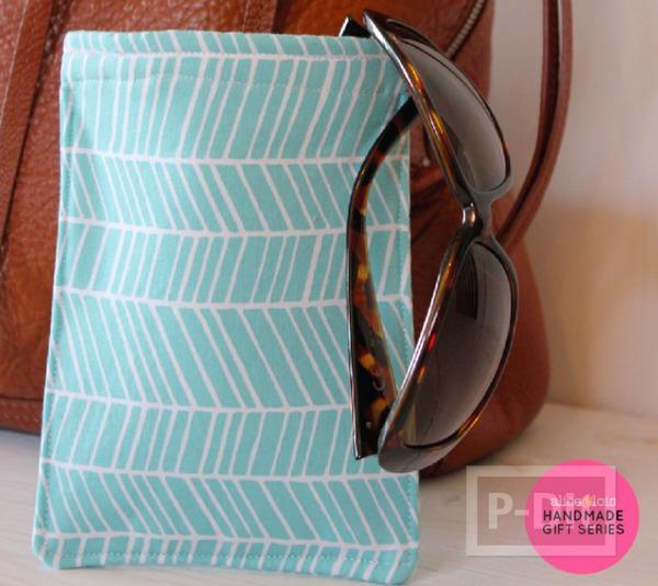 รูป 2 กระเป๋าใส่แว่นตา เย็บเองจากเศษผ้า