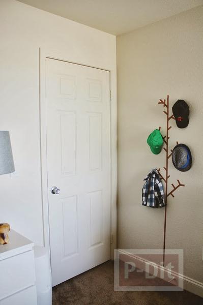 รูป 5 ไอเดียทำที่แขวนหมวก แขวนเสื้อ จากสก็อตเทป