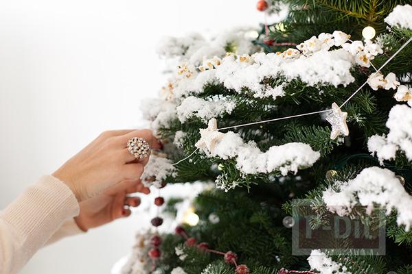 รูป 6 ต้นคริสต์มาส ตกแต่งจากของกิน ร้อยเชือก