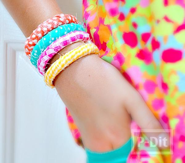 กำไลข้อมือสวยๆ ทำจากผ้าสีสดใส
