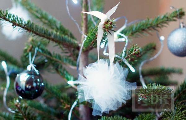 รูป 1 ลูกบอลผ้า ประดิษฐ์ตกแต่งต้นคริสต์มาส