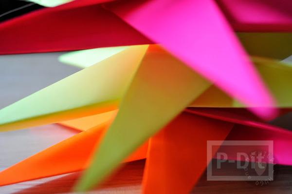 รูป 3 สอนพับดาวกระดาษ สีสด