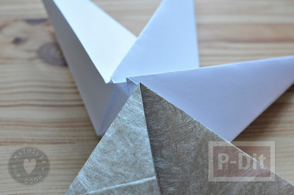 รูป 4 สอนพับดาวกระดาษ สีสด