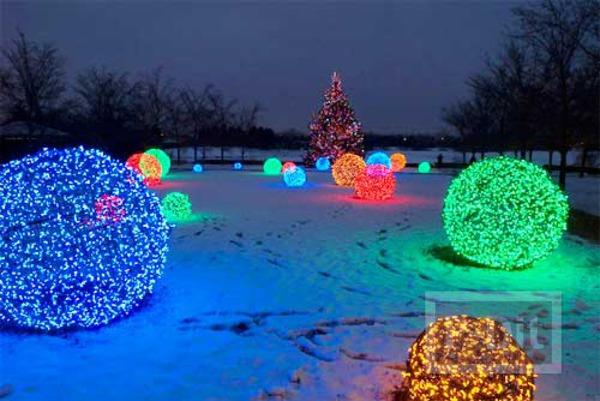 ลูกบอลตาข่าย ประดับไฟสี เทศกาลคริสต์มาส