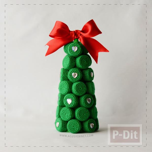 รูป 5 ต้นคริสต์มาส ทำจากฝาขวดและแกนกระดาษ