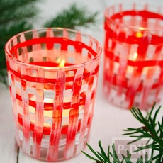แก้วเทียนสีแดงลายสก็อต ประดับวันคริสต์มาส