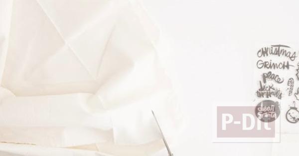 รูป 3 โบว์ผูกกล่องของขวัญ ทำจากผ้าปั้มลาย