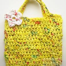 กระเป๋าถือ ถักจากถุงพลาสติก