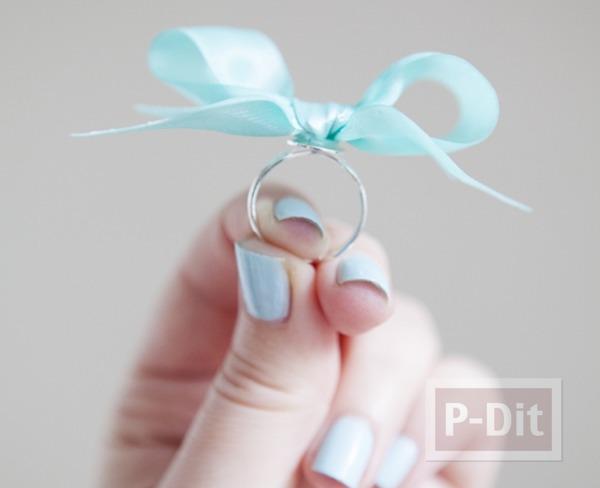 รูป 1 แหวนสวยๆ ทำจากโบว์ เล็กๆ