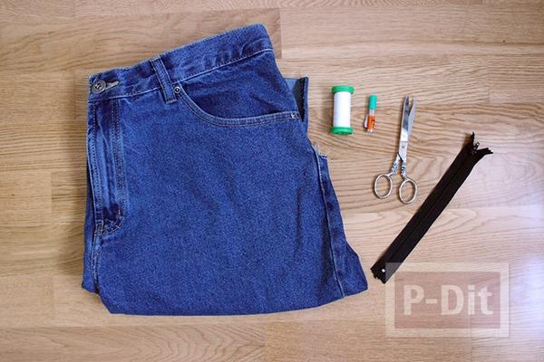 รูป 2 กางเกงยีนส์เก่าๆ นำมาเย็บกระเป๋าใบเล็ก