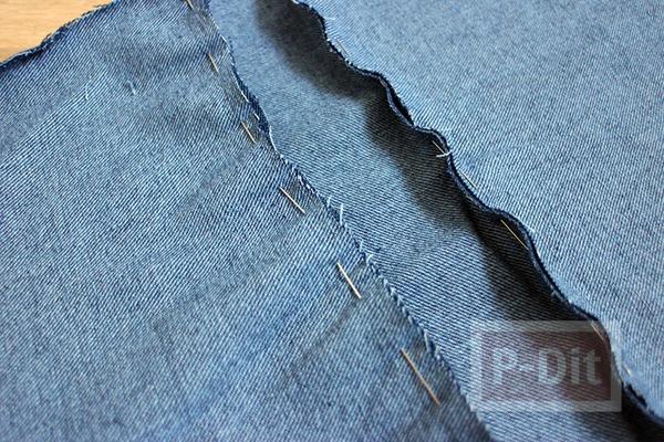 รูป 4 กางเกงยีนส์เก่าๆ นำมาเย็บกระเป๋าใบเล็ก