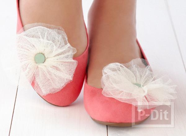 รองเท้าคู่สวย ติดดอกไม้หวานๆ