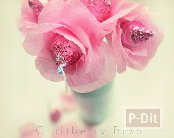 รูป 2 ดอกไม้ส่งรัก ทำจากช็อคโกแลต สีชมพู