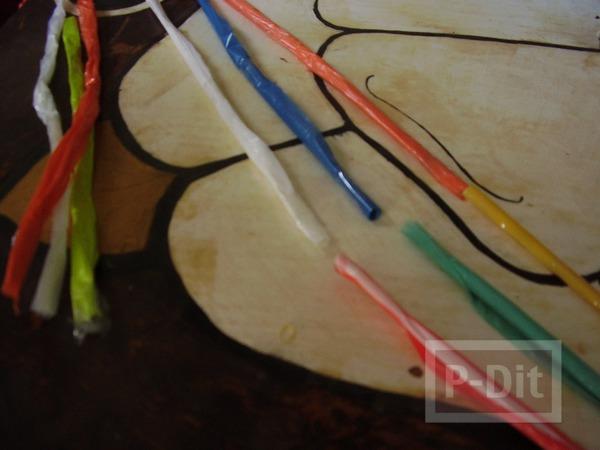 รูป 4 กระเป๋าใส่ของสีสด ทำจากถุงพลาสติก