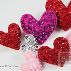 หัวใจส่งรัก ประดับการ์ด ที่คาดผม…