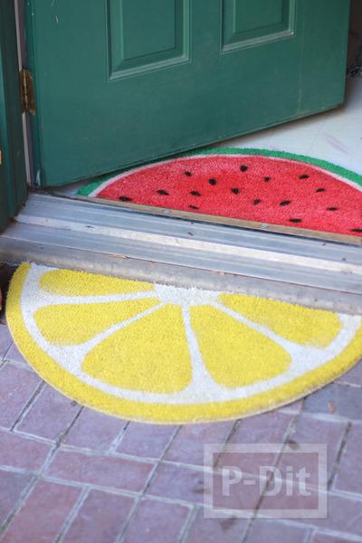 รูป 4 พรมเช็ดเท้า พ่นสี ลายผลไม้