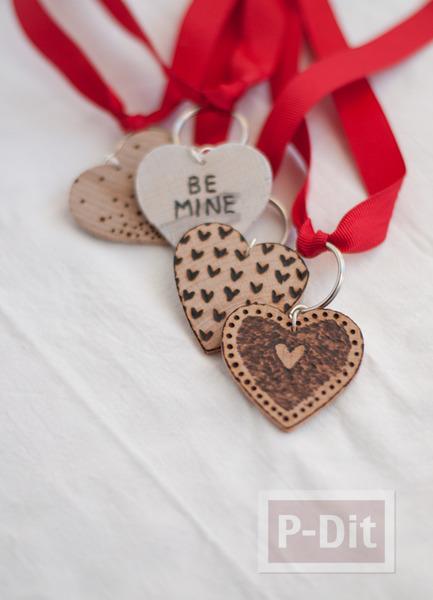 รูป 5 พวงกุญแจหัวใจ ทำจากแผ่นไม้
