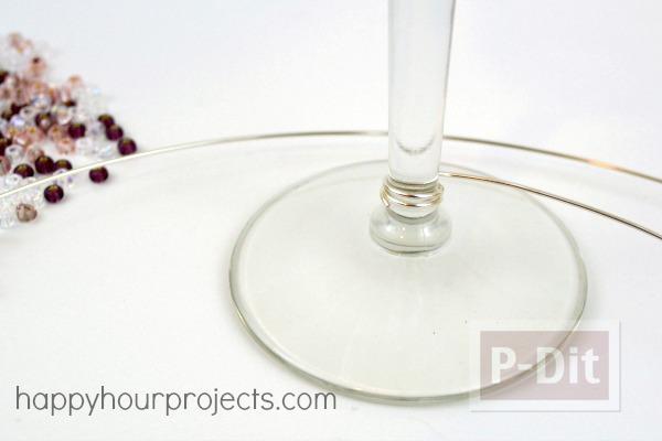รูป 4 แก้วไวน์ ประดับเม็ดมุกเล็กๆ