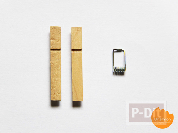 รูป 3 ที่วางตะเกียบ ทำจากไม้หนีบผ้า