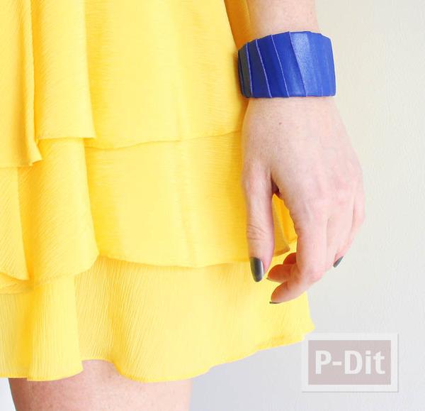 กำไลข้อมือ ทำจากสก็อตเทป สีน้ำเงิน