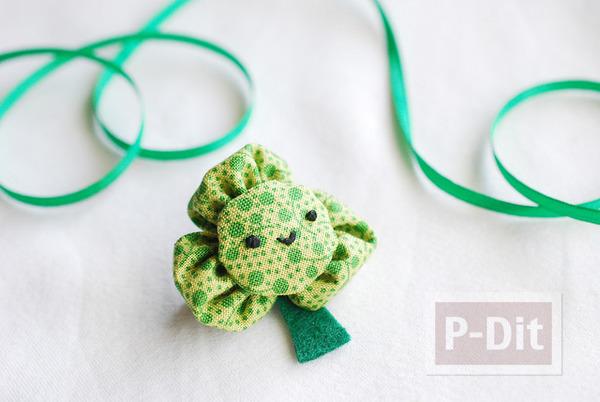 รูป 5 เข็มกลัดดอกไม้สีเขียว ทำจากผ้า