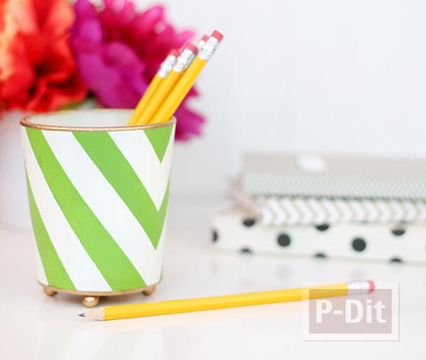 รูป 1 ที่ใส่ดินสอ ทำจากแก้วใส ระบายสี