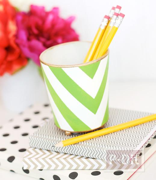 รูป 3 ที่ใส่ดินสอ ทำจากแก้วใส ระบายสี