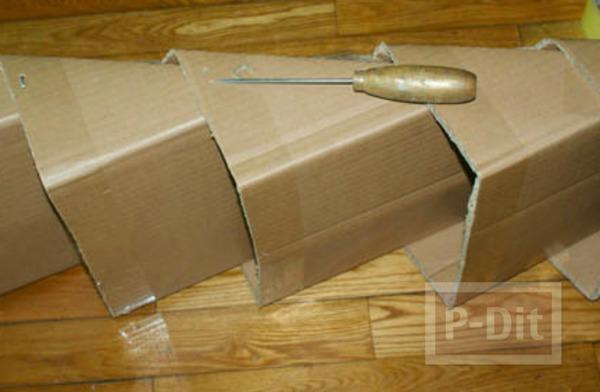 รูป 7 ทำที่เก็บรองเท้า แขวนผนัง จากกล่องกระดาษ