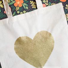 ถุงผ้า ลายหัวใจ ทำจากกาวผสมกากเพชร