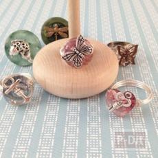 แหวน ทำจากลวด กระดุม และ จี้ลายสวย