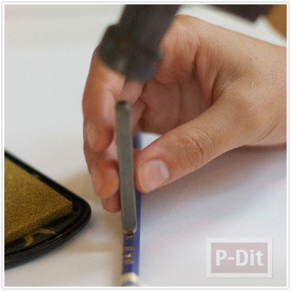 รูป 4 ดินสอไม้ ปั้มตัวอักษร