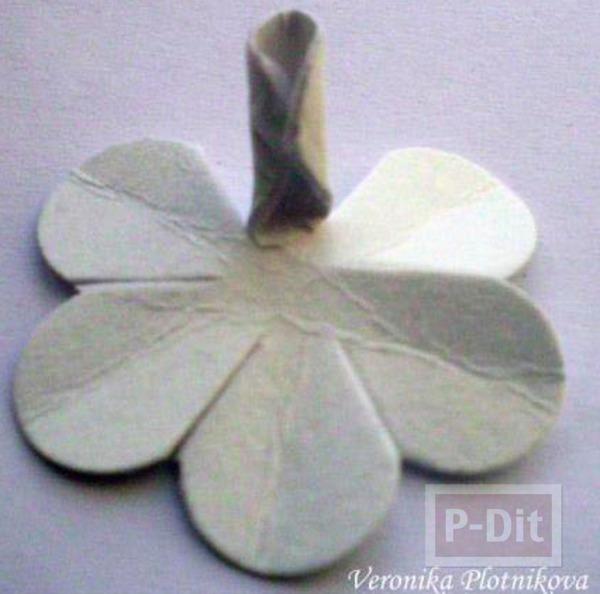 รูป 3 สอนทำดอกกุหลาบ จากกระดาษกล่อง