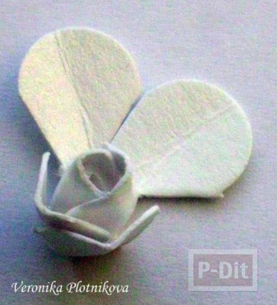 รูป 5 สอนทำดอกกุหลาบ จากกระดาษกล่อง