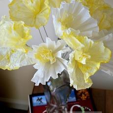 ดอกไม้กระดาษ ทำจากถ้วยคัพเค้ก ย้อมสี