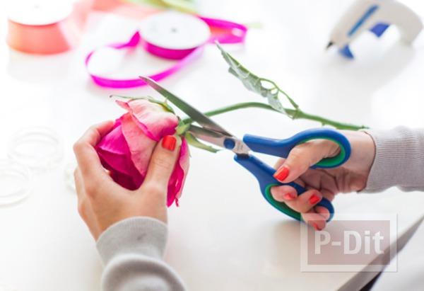 รูป 6 ไอเดียทำห่วงคล้องผ้าเช็ดมือ จากดอกไม้สด