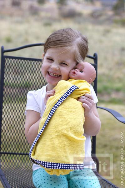 รูป 3 ผ้าห่อตัวเด็กเล็ก เย็บขอบลายสวย