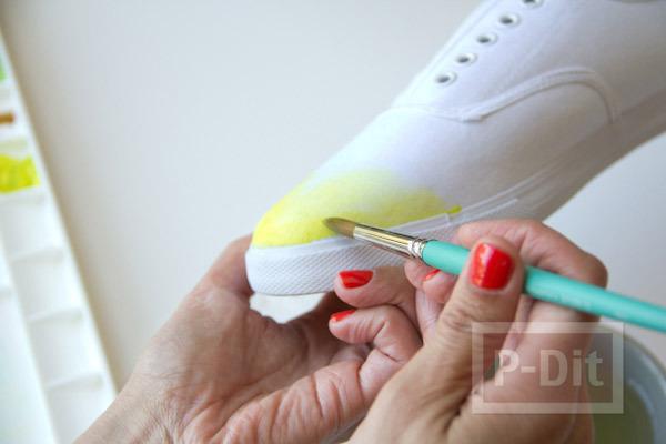 รูป 4 เพ้นท์สีรองเท้าผ้าใบ สีสดใส
